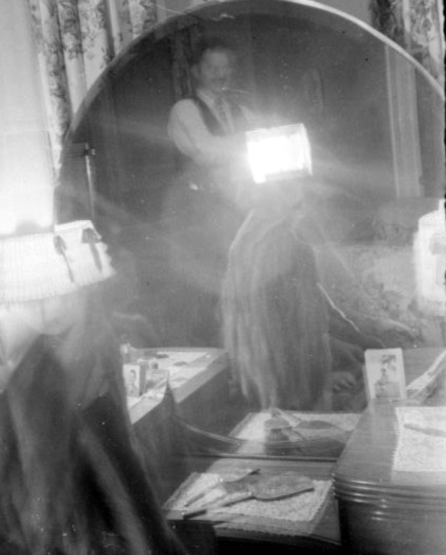 dad photographer mirror 1